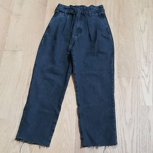 Abercrombie & Fitch Ultra High Rise Mom Jeans/29-8